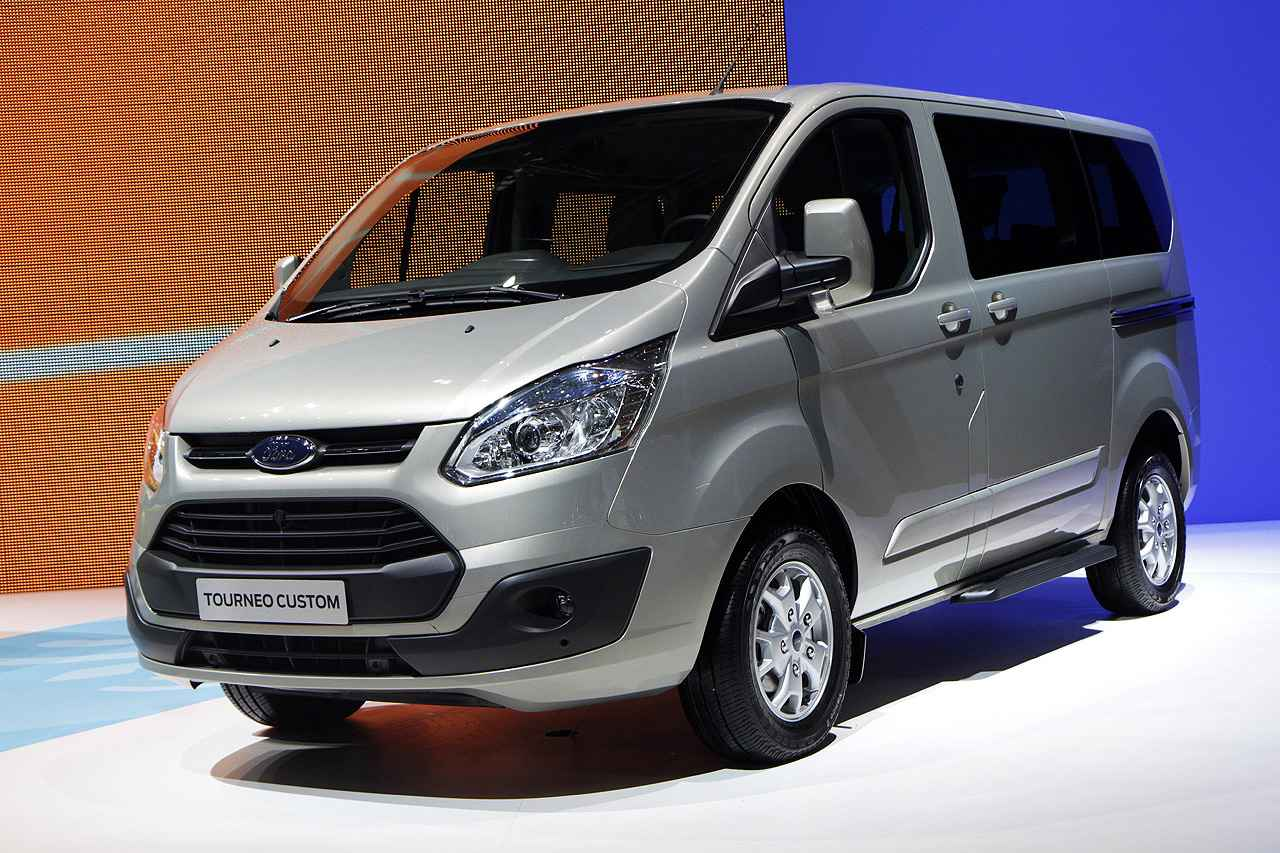 ford transit tourneo connect fiyat listesi 2014. Black Bedroom Furniture Sets. Home Design Ideas